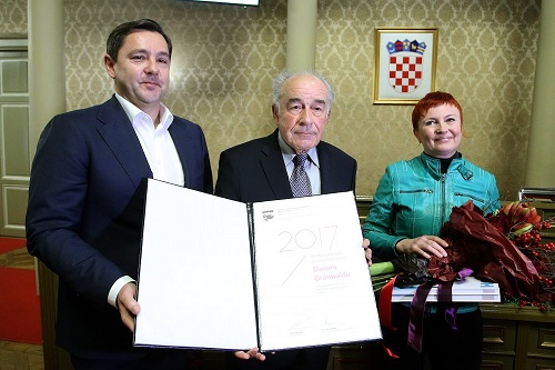 Grand Lifetime Achievement Award-Davor Grünwald (in the middle), Andrija Mikulić i Ivana Bakal (Photograph: Morana Matković)